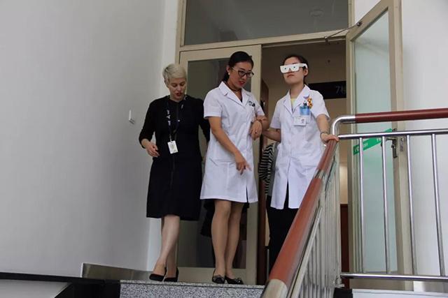 何氏眼科奥比斯低视力公益项目6.jpg